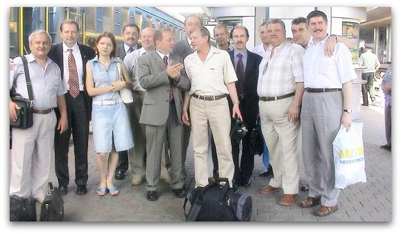 Киев - 2004. Приезд на празднование 30-летия выпуска 7 роты...