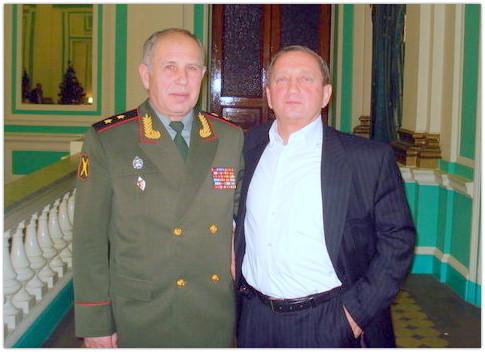 Валерий Ларченко и Петр Бондарь на 60-летии Валеры. Санкт-Петербург. Декабрь 2010г.