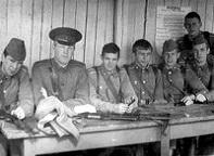 Ю.Ф.Бескровный и 4 взвод 7 роты
