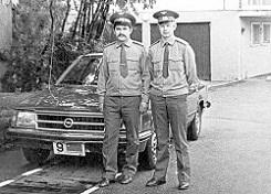 прапорщик А.Попович и старший лейтенант В.Новожилов