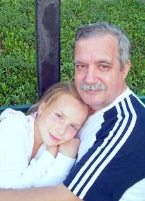 Олег Печенин с внучкой