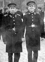 Александр Кормушин (слева)